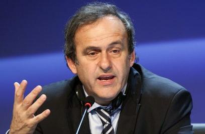 <em>Michel Platini révèlant les coulisses de la Ligue 1</em>