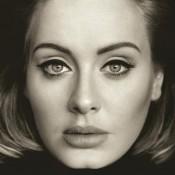 Manifestement malade, Adele est obligée de reporter ses concerts