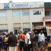 Des clients s'attaquent aux locaux de Comeci à Douala
