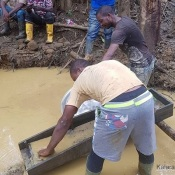 Une ruée due à la découverte de l'or à Eseka