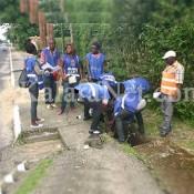 Douala retrouve des couleurs après le nettoyage des jeunes